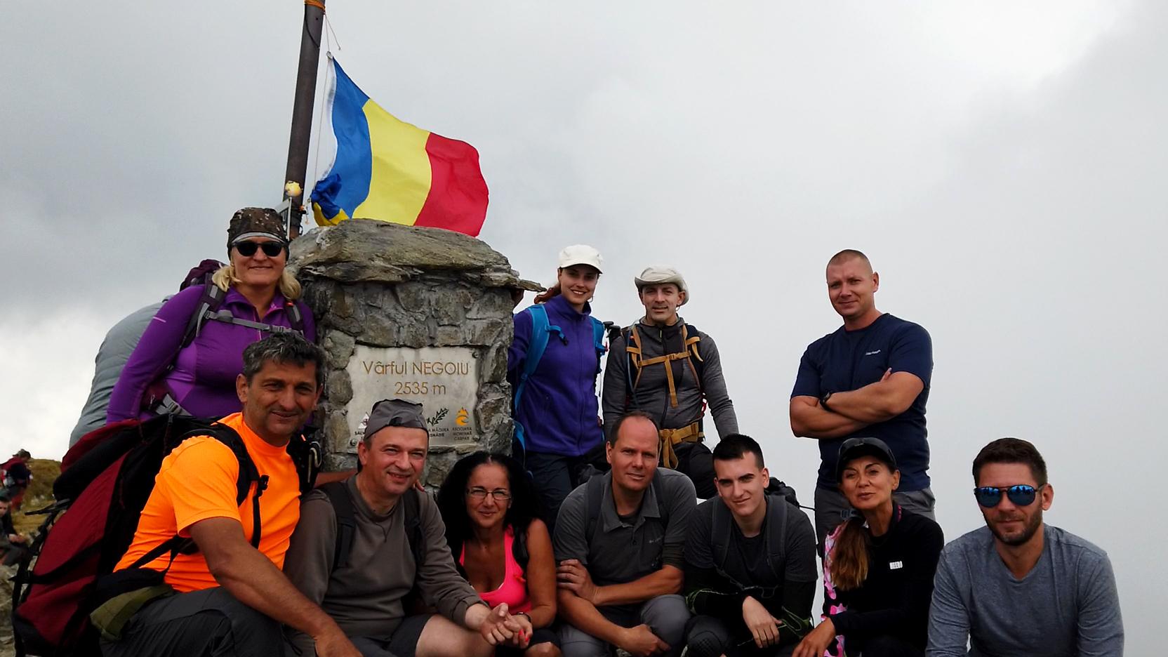 A Negoj csúcs (Vârful Negoiu 2535 m)